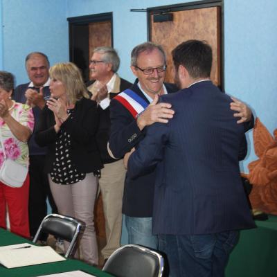 Jumelage entre les communes de Roumazières-Loubert et Rafelbunyol